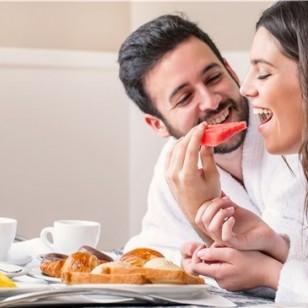 Practicar el 'slow eating', sobre todo por las mañanas durante el desayuno, ayuda a perder peso.