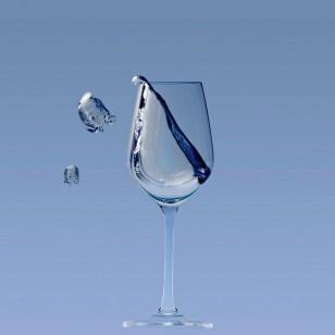 Una copa de agua