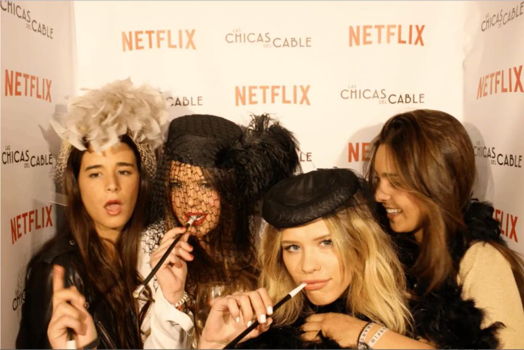 Almudena Lapique y sus amigas