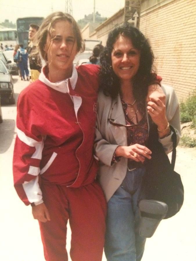 Amaya Valdemoro con su madre