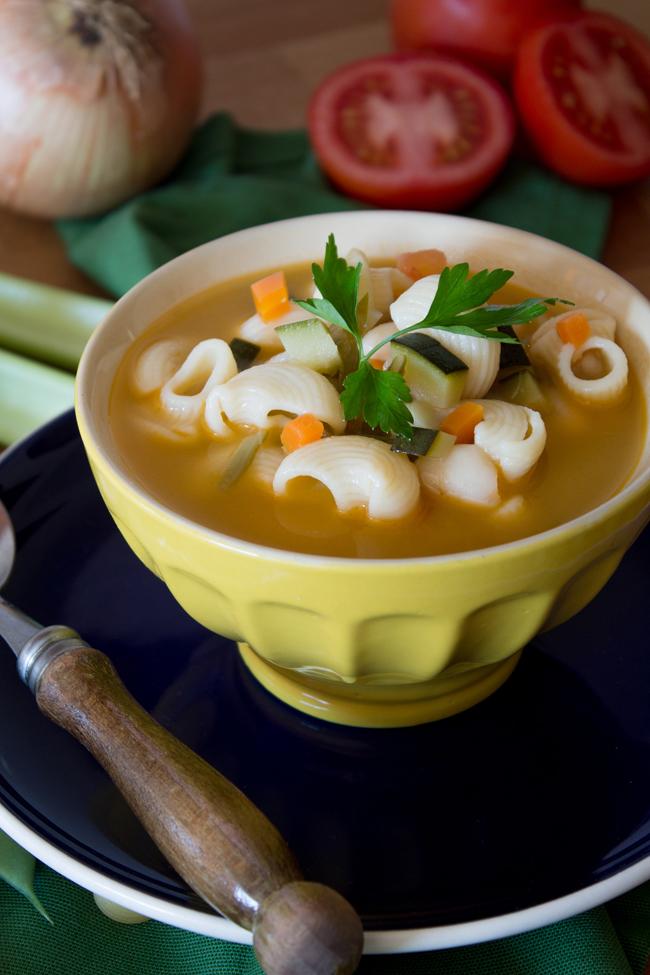 ¡Os encantará nuestra receta de sopa minestrone!
