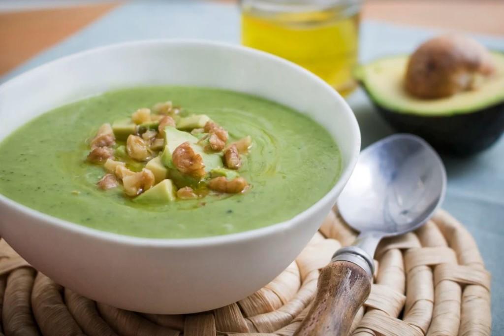 receta-sopa-fria-aguacate-pepino