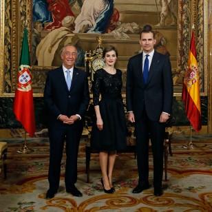 Los Reyes con el Presidente de Portugal