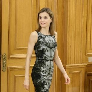Letizia, de nuevo con su vestido de Hugo Boss