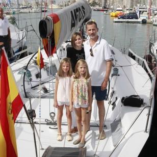 Los Reyes y sus hijas, en Palma en 2015