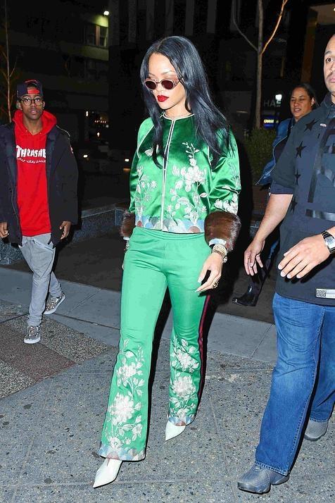 Rihanna, con su chándal de los domingos de Gucci