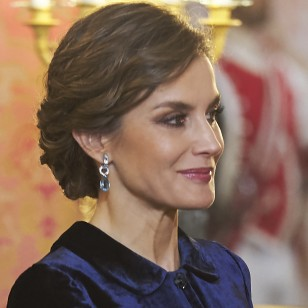 MADRID, SPAIN - JANUARY 06:  Queen Letizia of Spain attends the Pascua Militar ceremony at the Royal Palace on January 6, 2018 in Madrid, Spain.  (Photo by Carlos R. Alvarez/WireImage)