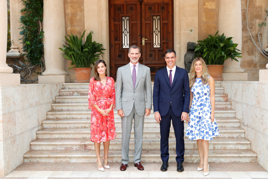 Spanish Kings Felipe VI and Letizia with Spanish Prime Minister Pedro Sanchez and his wife Begoña Gomez during a summer lunch at the Palacio de Marivent in Palma de Mallorca on Monday 06 August 2018.