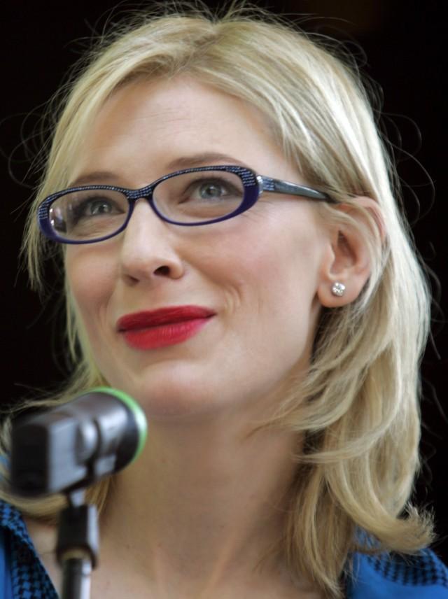 Cate Blanchett con gafas