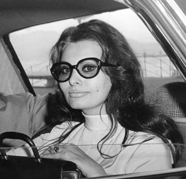 Sofia Loren con gafas