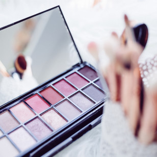 maquillaje-caducidad-freestocks-org-209882-unsplash