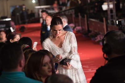 El look de Mar Saura en la alfombra roja del Festival de Cine de Málaga