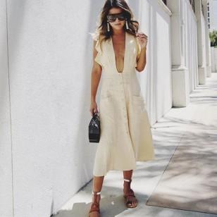 Vestido de lino + sandalias planas Pam Hetlinger (@pamhetlinger)