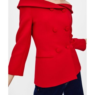 Americana con doble botonadura de Zara 49,95 EUR