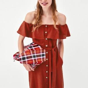 Vestido con volante de Zara 29,95 EUR