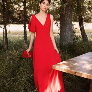 Vestido rojo asimétrico de Uterqüe 150€