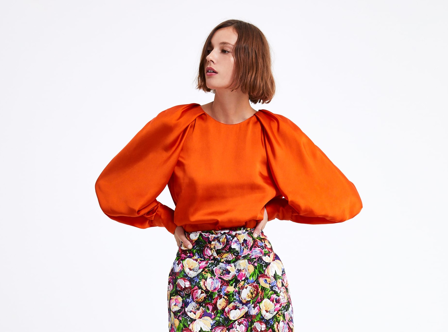 La blusa más bonita de la primavera está en Zara (y es muy