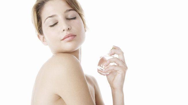 fotolia foto mujer perfume