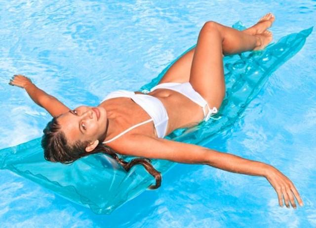 Mujer flotador