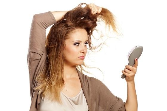 El pelo poroso precisa de los tratamientos adecuados a su grado de porosidad. Ni más ni menos. Porque si te pasas, el efecto rebote es aún peor.