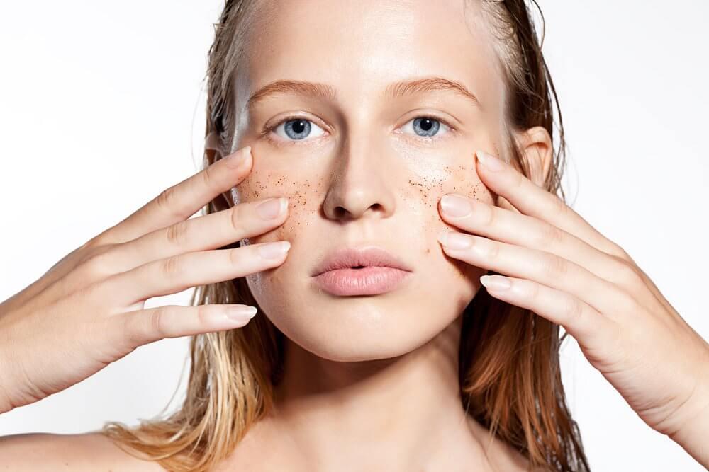 polvos exfoliantes faciales