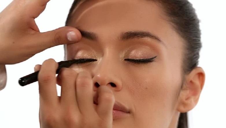 marcjacobs-maquillaje-delineador-liquido-negro