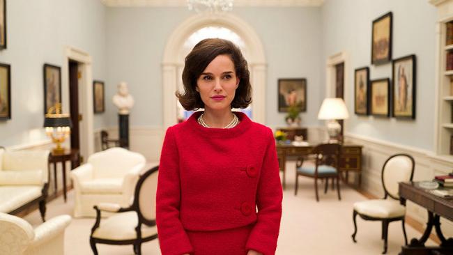 Natalie Portman, caracterizada como Jackie