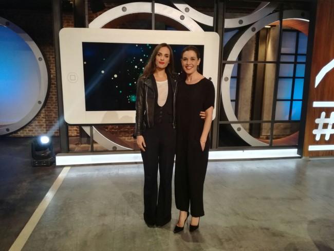 Sophie Auster, junto a Raquel Sánchez Silva en Likes
