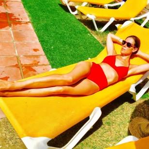 Raquel Sánchez Silva, con un bikini rojo